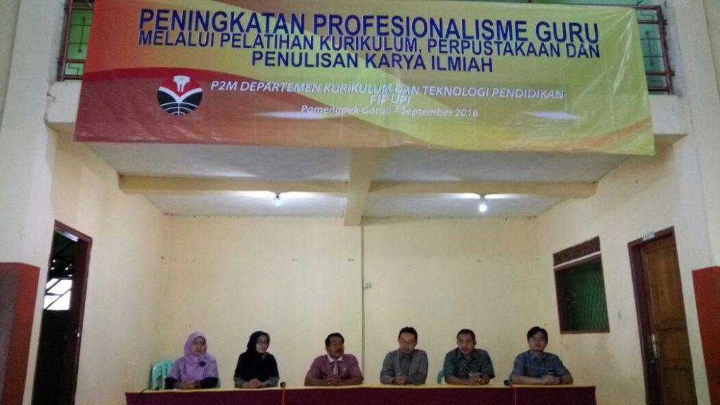 Dosen Depkurtekpend gelar Pengabdian pada Masyarakat di Kecamatan Cibalong Kabupaten Garut