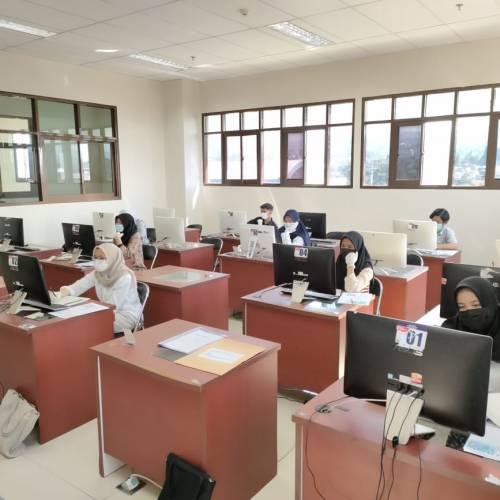 Laboratorium Komputer Prodi Teknologi Pendidikan digunakan UTBK 2021